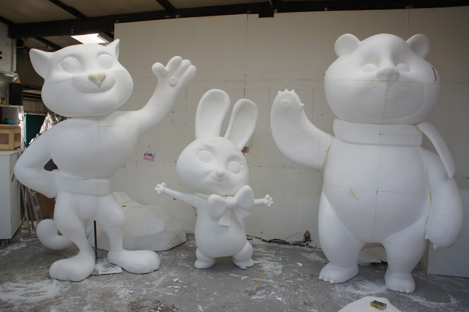 Plunge Productions :- Polystyrene Carving