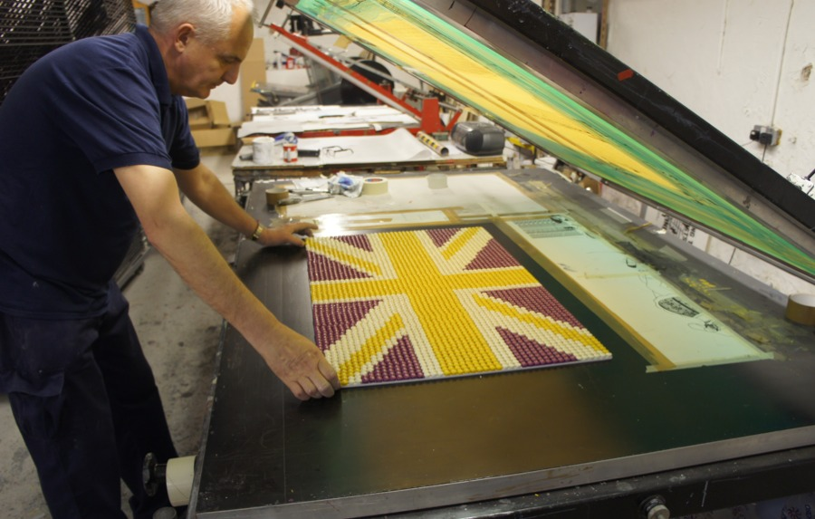 Screen printing of flags