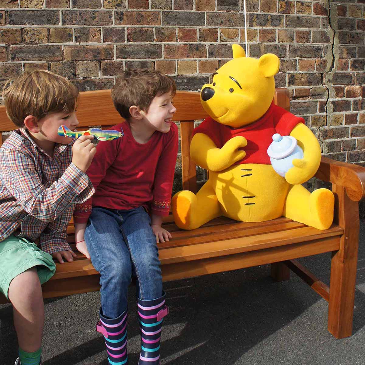Interactive bench with Winnie the Pooh