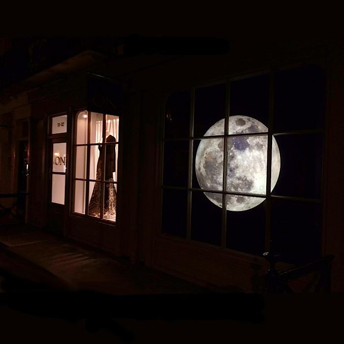 Circular Moon lightbox