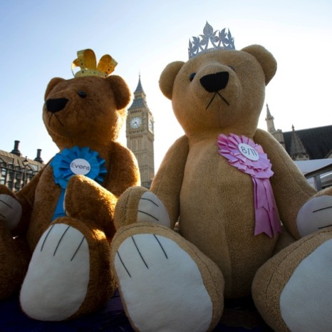 Giant teddy bears for William Hills