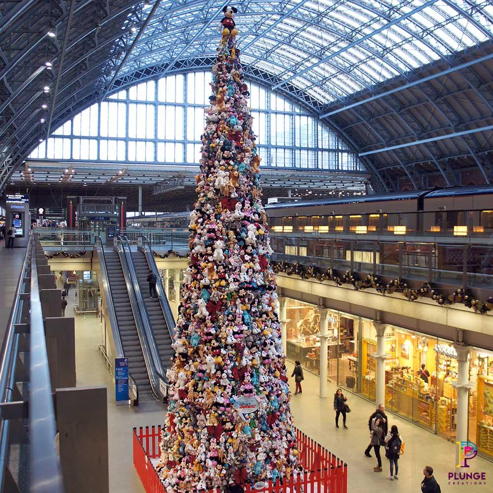 St Pancras Giant Christmas Tree