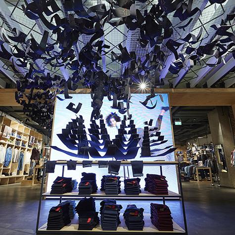 Shop fit out for Levi Store, London